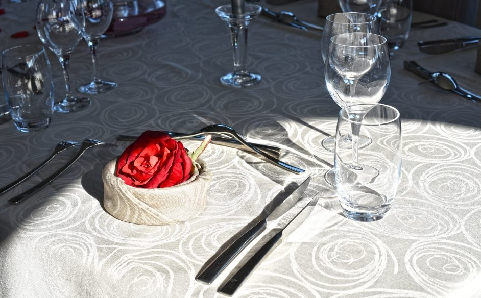 finesse-dining-aboard-2-