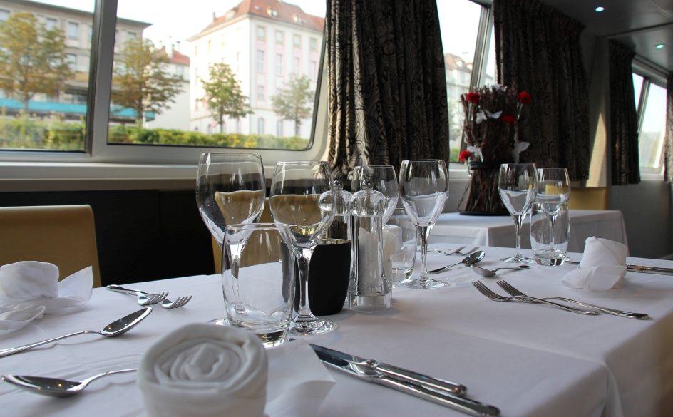 croisi_dining_madeleine